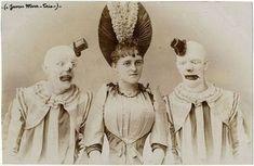 Some creepy vintage circus picture I found Scary Photos, Bizarre Photos, Clown Photos, Creepy Images, Creepy Pictures, Strange Photos, Creepy Vintage, Vintage Clown, Le Clown