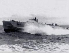 Type 100 Schnellboot at speed.