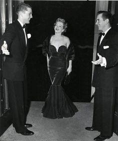 Marilyn arriving at Camp Pendleton, 1952.