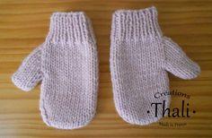 Un modèle facile a réalisé tricoté en un seul morceau pour limiter les coutures.