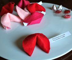 DIY Felt Fortune Cookies  {so cute!}