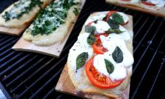 I love grilling pizza, especially on planks! The cedar plank adds nice smoky flavor to the crust, similar to a wood fired pizza oven. Healthy Grilling Recipes, Tailgating Recipes, Meat Recipes, Low Carb Recipes, Cooker Recipes, Paleo Recipes, Recipies, Green Egg Recipes, Cedar Planks