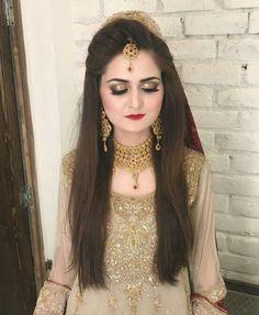 Makeup <3 Pakistani Bridal Makeup, Pakistani Wedding Outfits, Bridal Outfits, Pakistani Dresses, Bridal Makeup Looks, Bridal Looks, Bridal Beauty, Wedding Makeup, Bridal Style