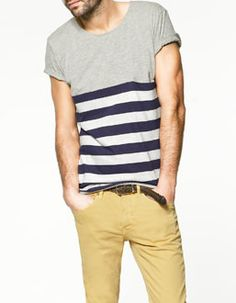 Camisetas listradas (de qualquer cor e tipo) são uma saída fácil para quem ainda tá começando a coordenar a calça colorida.