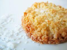 Crisp Coconut Cookies with Sea Salt (gluten-free) Cookie Desserts, Just Desserts, Cookie Recipes, Delicious Desserts, Dessert Recipes, Yummy Food, Coconut Desserts, Flour Recipes, Milk Recipes
