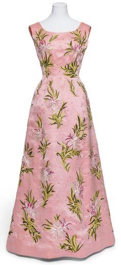 Balenciaga robe du soir, printemps-été 1959 Taffetas brodé de soie, de chenille…