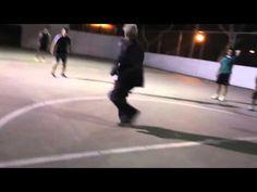 Sean Garnier campione di freestyle - video virale partita di calcio con un anziano - YouTube
