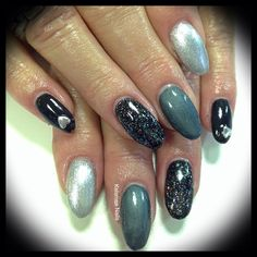 Young Nails acrylic with ManiQ black, glitter silver