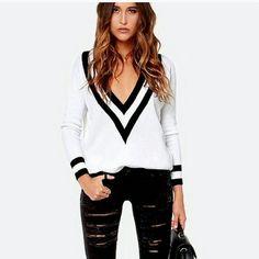 White oversized v neck jumper Brand new Super comfy oversized v neck jumper. Sweaters V-Necks