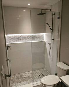 #Indirekte #Beleuchtung In Der #Nische Im #Badezimmer Kann Effektvolle # Mosaikfliesen Elegant