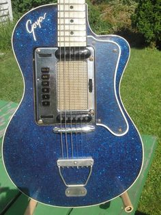 RARE VINTAGE BLUE SPARKLE GOYA ELECTRIC GUITAR IN WOODEN CASE #Goya