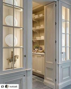 47 Astonishing Built Kitchen Pantry Design Ideas - HOMYFEED There are two very important options that should be considered in every large kitchen pantry cabinet design. Although these options … Kitchen Butlers Pantry, Glass Kitchen Cabinet Doors, Kitchen Pantry Design, Butler Pantry, Kitchen Storage, Kitchen Decor, Decorating Kitchen, Kitchen Ideas, Decorating Ideas