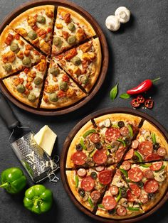 Pizza hut new menu on behance pizza in 2019 pizza pizza menu food. Pizza Menu Design, Food Design, Healthy Chicken Recipes, Healthy Dinner Recipes, Vegetarian Recipes, Pizza Legal, Comida Pizza, Sauce Pizza, Pizzeria
