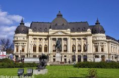 Iasi city , in Romania. Neoclassical Architecture, Famous Castles, Commercial Architecture, Bucharest, Old Buildings, Homeland, Wonderful Places, Aesthetic Wallpapers, Baroque