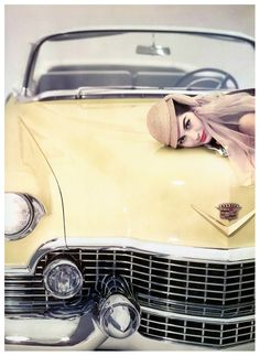 nancy-berg-wearing-cloche-by-john-frederics-photo-by-blumenfeld-1954.jpg (692×950)