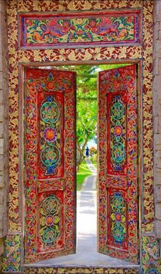 The doors in Bali, Indonesia are so colorful.The doors in Bali, Indonesia are so colorful. Cool Doors, The Doors, Unique Doors, Entrance Doors, Doorway, Windows And Doors, House Entrance, Front Doors, Grand Entrance
