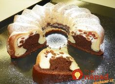 Cake with cheese filling - great and fast! Czech Desserts, No Cook Desserts, Sweet Recipes, Snack Recipes, Dessert Recipes, Bunt Cakes, Cupcake Cakes, Yummy Treats, Yummy Food