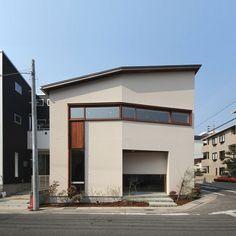 ctct|自由な間取り|ナチュラルな外観|木製サッシ|横長の窓|