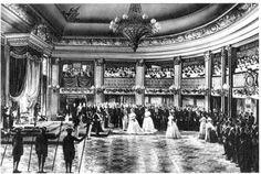 Princesa Isabel irá assinar a Lei Áurea (Lei Imperial n.º 3.353), sancionada em 13 de maio de 1888, foi a lei que extinguiu a escravidão no Brasil.