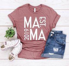 Family Shirts, Kids Shirts, Cute Shirt Designs, Mama Shirt, Vinyl Shirts, Cricut Creations, Cute Shirts, Funny Tee Shirts, Mom Outfits