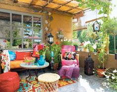 How to Decorate Your Outdoor Space in an Oriental style I dont see hoe its oriental but I like the.colors... Including the chosen wall paint