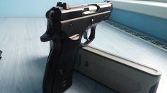 CZ 75 COMPACT - Prodám pistoli CZ 75 Compact, ráže 9mm Luger. Pistole je nestřílená, nenošená. Stav nové zbraně. Nabídky pouze na email. Lokalita Brno - Tišnov. ZP + NP nutné.https://s3.eu-central-1.amazonaws.com/data.huntingbazar.com/8879-cz-75-compact-pistole.jpg