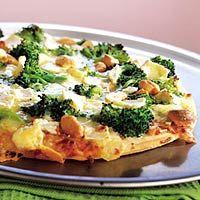 Pizza met broccoli en brie