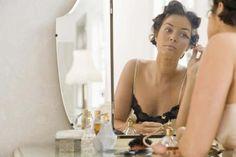 Cómo hacer que tu maquillaje sea a prueba de sudor   LIVESTRONG.COM en Español