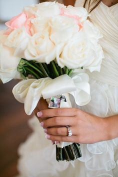 Daily Wedding Inspiration: 34 Beautiful Wedding Bouquets. http://www.modwedding.com/2014/02/05/34-beautiful-wedding-bouquets/ #wedding #weddings #bouquets