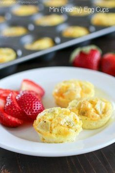 Extremely simple and delicious healthy mini egg cups! A quick breakfast recipe you can make ahead of time and devour all week long! For a lighter version use low-fat cheeses and skim milk Quick Egg Recipes, Baby Food Recipes, Cooking Recipes, Kid Recipes, Simple Recipes, Crockpot Recipes, Healthy Make Ahead Breakfast, Healthy Snacks, Healthy Recipes