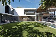 De Wet 34 residence by SAOTA and Okha Interiors