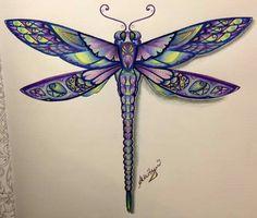 coucou!! Je vous présente ma libellule ! Livre : foret enchantée de Johanna Basford Matériel : cdc prismacolors premiers avec blender