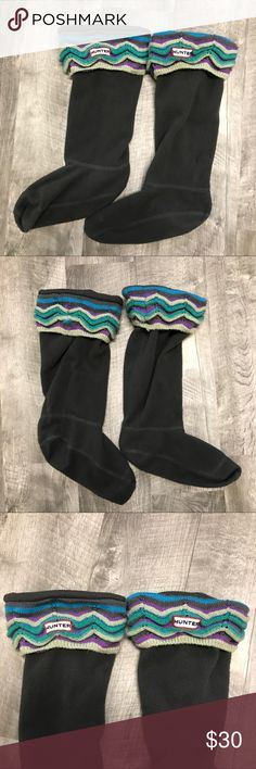 HUNTER Boot socks Chevron Zig Zag Knit M 5/7 HUNTER Rainboots boot socks. Purple teal grey Chevron zigzag cable knit. These are for the tall boots and fit women's MM size women's 5-7. Good used condition. Check out my closet for other namebrand items to bundle with to save 15% and combined shipping. Hunter Boots Accessories Hosiery & Socks