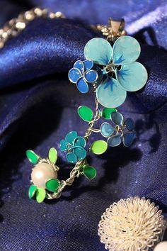Frühling Wireflower Kette Kette Anhänger Blume von KlayrsCorner