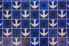 Angels falling down by the artist Athos Bulcão at the church of Oscar Niemeyer, Dom Bosco, Dream Beach Houses, Across The Universe, Work Inspiration, Interior Inspiration, Textile Patterns, Textiles, Geometric Art