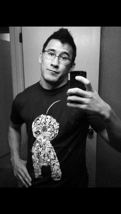 Markiplier wearing a cryaotic shirt. I. Just. Died. *drooling rainbows* *0*
