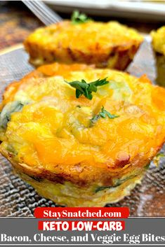 Keto Low-Carb Breakfast Bacon and Cheese Egg Muffins (Bites) are quick and easy cups loaded with your favorite meat and veggies. If you are looking for a carb-free, no-carb breakfast, you can use ham…More 6 Indulgent Keto Diet Friendly Egg Dish Recipes Quick Keto Breakfast, Breakfast And Brunch, Bacon Breakfast, Breakfast On The Go, Breakfast Recipes, Lunch Recipes, Low Card Breakfast Ideas, Breakfast Egg Muffins, Low Carb Breakfast Casserole
