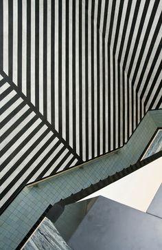 Gemeentemuseum Den Haag - Sol LeWitt- Wall Drawing No. 373