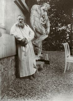 French sculptor Auguste Rodin - in the garden of his villa at Meudon, near Paris. Behind him is the original plaster statue of The Creation of Man. Edward Gooch, circa www. Auguste Rodin, Camille Claudel, Art Sculpture, Modern Sculpture, Sculpture Garden, Metal Sculptures, Abstract Sculpture, Bronze Sculpture, Famous Artists