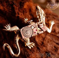 Steampunk Clockwork Gecko pin by 19 Moons Steampunk Diy, Steampunk Fashion, Steampunk Watch, Antique Watches, Vintage Watches, Steampunk Animals, Collections D'objets, Rare Roses, Neo Victorian