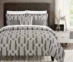 Max Studio Modern Geometric Quatrefoil Trellis Pattern Queen Size ... : max studio home quilt set - Adamdwight.com