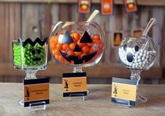 DIY Halloween Serving Bowls that are perfect for a Halloween Sweets Table!  :)