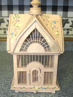 DECORATIVE HAND PAINTED WOOD & WIRE BIRD CAGE SLIDE OUT DRAW LOCKING DOOR