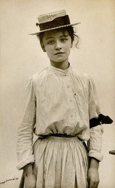 Edwardian girl, 1906...reminds me of Anne of Green Gables