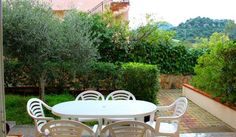 Dimora Shardana Posada Offering a garden, Dimora Shardana is located in Posada, 38 km from Olbia. San Teodoro is 17 km from the property.  The accommodation is fitted with a seating area. Some units feature a terrace and/or balcony.