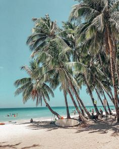 I enjoy to cook, my husband and I collect wine, and in my head, I am regularly on island, walking the beach listening to the song of the ocean. Strand Wallpaper, Beach Wallpaper, Beach Pink, The Beach, Girl Beach, Summer Beach, Beach Aesthetic, Aesthetic Bedroom, Aesthetic Girl