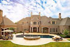 Pretty house!