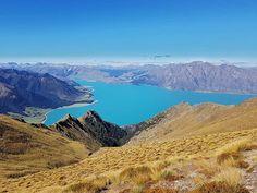 Isthmus Peak New Zealand #newzealand #isthmuspeaktrack #isthmuspeak #trecking #beautiful #nature #lake #theendoftheworld #aroundtheworld #podroze #blog #vlog #cotamwpodrozy #adventuretime