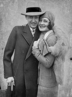 Irving Thalberg and Norma Shearer Hollywood Couples, Old Hollywood Stars, Golden Age Of Hollywood, Classic Hollywood, Irving Thalberg, Norma Shearer, Silent Film Stars, Classic Movie Stars, Old Movies