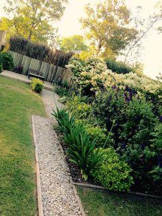 Mirá imágenes de diseños de Jardines estilo clásico}: . Encontrá las mejores fotos para inspirarte y creá tu hogar perfecto.